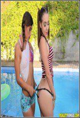 Julia Roca y Zoe Doll – Piernas arriba Pollas Dentro