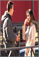 Katia San Andres-Cazando Incautas Que Quieren Ser Famosas En La Puerta De Los Estudios De TV. Guapa, ¿Has Venido Al Casting?